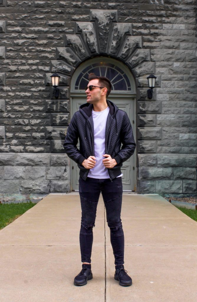 What Does a Modern Businessman Wear on the Weekend? - LLEGANCE ; What does a businessman wear on the weekend? Casual wear isn't as hard to put together as you think. See which casual outfits you can wear to work here. What Does a Modern Businessman Wear on the Weekend? weekend looks for men | outfit ideas for men | casual outfit ideas for men | edgy looks for men | stylish outfit ideas for guys | the men's blog | what businessmen wear | looks for businessmen